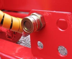 Zadní výstup pro hydraulické brzdy